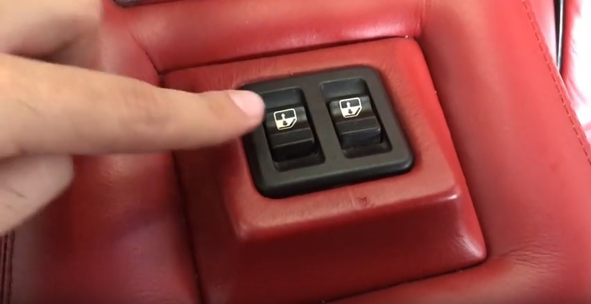 countach832windowcontrols2.jpg
