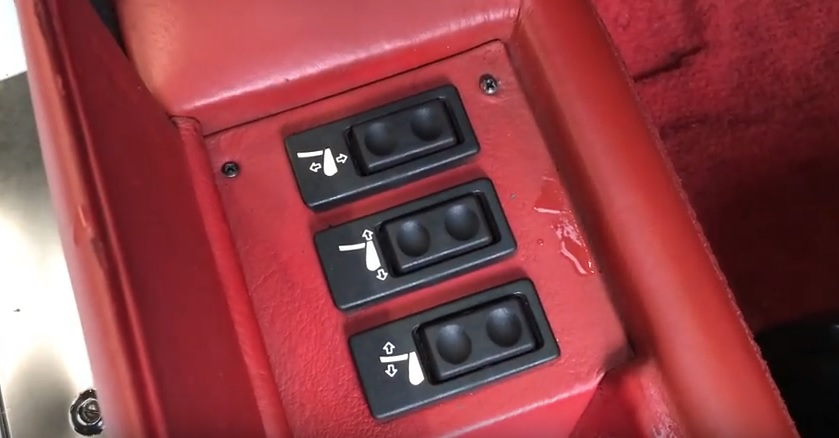 countach832seatcontrol.jpg
